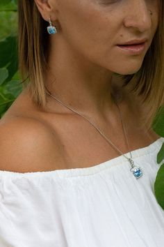 A distinctive feature of Celtic and Irish jewelry is that it showcases design, high quality, values, and a narrative. Showcase your heritage and roots by wearing these items with pride. 925 sterling silver, handcrafted and authentic irish inspired jewelry, a design that matches your personality and story. The Celtic Knot is made for YOU! Celtic Knot Jewelry, Jewelry Knots, Irish Jewelry, Silver Jewelry, Celtic Symbols And Meanings, Irish Symbols, Unique Gifts For Women, Meaningful Gifts, Gifts For Wife