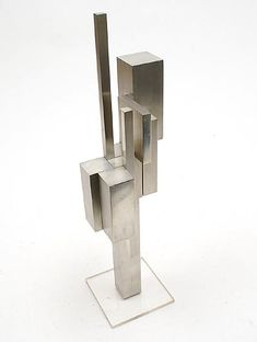 Botterweg Auctions Amsterdam > Abstract aluminum sculpture on plexiglass stand, designer & execution unknown, Modern Art Sculpture, Geometric Sculpture, Abstract Sculpture, Spirited Art, Basic Shapes, Art Object, African Art, Metal Art, Deco