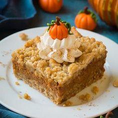 Pumpkin Pie Crumb bars perfect for fall snacking! Pumpkin Pie Bars, Pumpkin Dessert, Pumpkin Spice, Pumpkin Bread, Healthy Pumpkin Bars, Vegan Pumpkin, Pumpkin Squares, Libby's Pumpkin, Pumpkin Pie Cupcakes