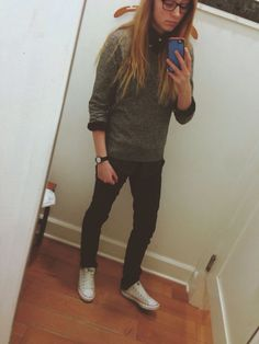 Hate mirror selfies but nice style