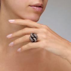 Ring Tango Pomellato | Pomellato Online Boutique Pomellato, Italian Fashion, Bracelets, Necklaces, Diamond Earrings, Tango, Rose Gold, Jewels, Silver
