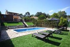 Villa authentique pour 10 personnes située dans un environnement calme et disposant d'un beau jardin et d'une grande piscine privée