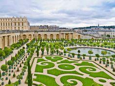Piérdete en el laberinto de los jardines del Palacio de Versalles.
