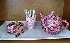 servies beplakt met servetten. Hiervoor is speciale lijm (paperpatch) gebruikt, maar modpodge wordt ook vaak gebruikt voor servetten ergens op te plakken.