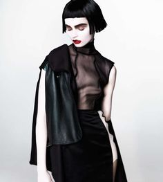 Trend Hunter. 2014. Goth-Like Geisha. TREND HUNTER INC. http://www.trendhunter.com/trends/emily-green-by-henryk-lobaczewski