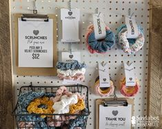 Craft Stall Display, Craft Booth Displays, Craft Fair Booths, Display Ideas, Craft Fair Table, Fall Craft Fairs, Fall Crafts, Scrunchies, Knitting Needle Case