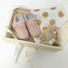 Baby girl gift box with pink and gold moccasins, bibdanas and crochet beads pacifier clip   custom baby welcome gift   Barbona gifts