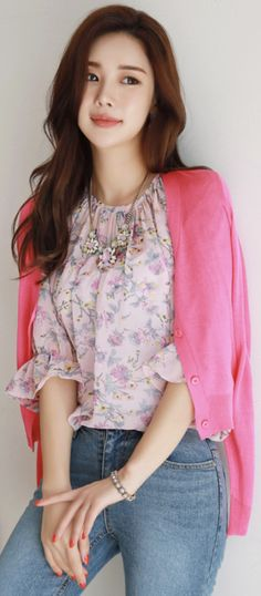 StyleOnme_Everyday 12Colors V-Neck Cardigan #hotpink #sweet #cute #cardigan #feminine #koreanfashion #kstyle #kfashion #springtrend #dailylook
