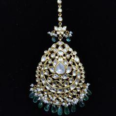 Tikka Jewelry, Men's Jewelry Rings, Indian Jewelry, Gold Jewelry, Tikka Designs, Traditional Indian Jewellery, Pear Diamond, Diamond Design, Luxury Jewelry