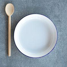 Falcon enamel plate, pasta - Odgers and McClelland Exchange Stores Falcon Enamelware, Serveware, Tableware, Baking Set, Pie Plate, Serving Plates, Dinner Table, Tea Pots, Pasta