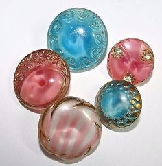 Vintage-Buttons-Pink-Turquoise-German-Glass-Moonglows-Small-18-3mm-to-13-7mm