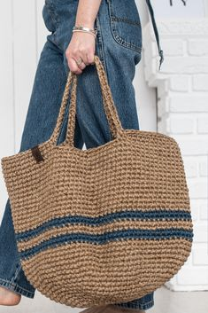 Crochet Beach Bags, Crochet Tote, Knit Crochet, Jute Tote Bags, Tapestry Crochet, Yarn Shop, Knitting Accessories, Knitted Bags, Textiles