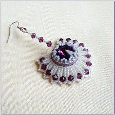 """Mariana""  - This no longer links but it is quite similar to this tutorial: http://biser.info/node/306358 ~ Seed Bead Tutorials"