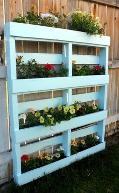 Two DIY Recycled Pallet Planters Two different ways to create a beautiful planter for flowers or herbs out of a recycled wooden pallet. The post Two DIY Recycled Pallet Planters appeared first on Pallet Diy. Recycled Pallets, Wooden Pallets, Recycled Planters, Recycled Materials, Recycled Cans, Recycled Garden, Flower Planters, Garden Planters, Herbs Garden