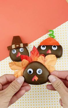 Thanksgiving Turkey Painted Rocks - Easy Thanksgiving Craft for Kids