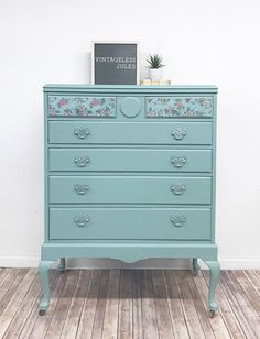 Vintage Hand painted Queen Anne Chest of Drawers - blue painted dresser - painted furniture #ad #paintedfurniture