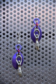 Gaia scalemail earrings.  My selfmade chainmail is also on facebook @ Ivy's Scale Mail