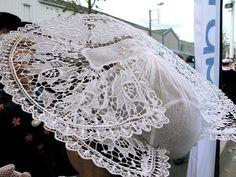 FIL 2009 - Coiffes bretonnes du pays de Lorient - Costume breton — Wikipédia