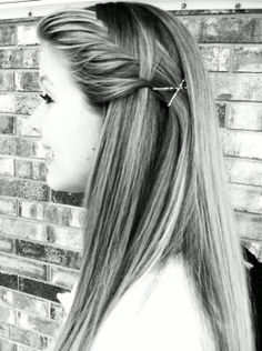 Fishtail french side braid to keep hair out of your face during the summer. I must remember this!!