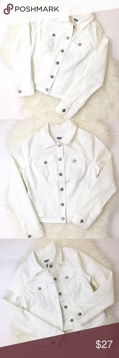 White Jean Jacket Jean jackets never go out of style and this one is no exception. The go-with-everything white jean jacket is a blend of cotton/Polyester/spandex for the perfect amount of stretch and softness. You will want to wear it with everything! Excellent used condition, no stains or rips. Machine washable. Old Navy Jackets & Coats Jean Jackets