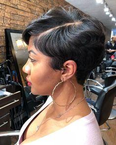 New Bob Haircuts 2019 & Bob Hairstyles 25 Bob Hair Trends for Women - Hairstyles Trends Pixie Hairstyles, Black Women Hairstyles, Straight Hairstyles, Teenage Hairstyles, Hairstyles Pictures, Hairstyles 2018, Urban Hairstyles, Ladies Hairstyles, Simple Hairstyles