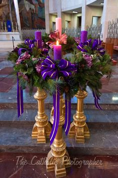 Joseph Cathedral, Hartford, CT Source by sjchurchlady Catholic Advent Wreath, Christmas Advent Wreath, Christmas Candles, Advent Wreaths, Nordic Christmas, Reindeer Christmas, Modern Christmas, Christmas Trees, Altar Flowers