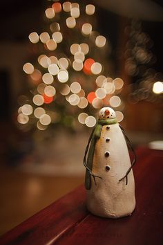 Holiday Snowman-hmmm...couldn't I make this out of salt dough or polymer clay - yes. yes i could =D