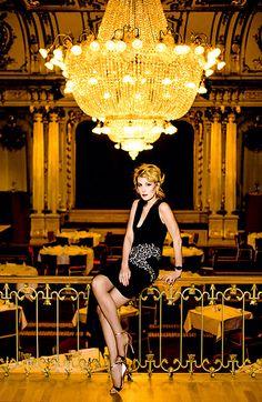 Рената Литвинова в фотосессии HELLO!