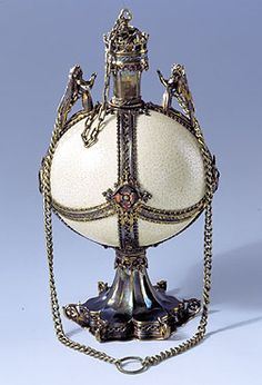 Ostrich egg cup (ostrich egg, silver-gilt, enamel; height 29 cm); probably French or South German, around 1400. Residenz Treasury
