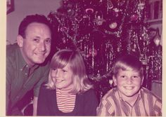 Early Christmas in America with Don, Christie, and Greg Brinkley. Every house had that exact same tree with the same tin foil icicles. Funny thing is, is that we all loved it and wish we could go back in time to then right now! Christmas In America, Christmas And New Year, Christie Brinkley, Back In Time, Love Is All, Good People, Girl Crushes, Teen, The Originals