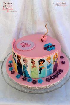 Tarta Princesas Disney clásicas y Frozen Classic Disney Princess and Frozen www.tartasdelunallena.blogspot.com