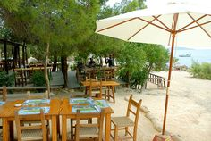 Restaurants Ses Boques - They serve the best Dorade of the Isle, the owners are adorable people.