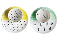 16 ideas para el cuarto de los chicos Painted Ceramic Plates, Hand Painted Ceramics, Ceramic Painting, Ceramic Pottery, Pottery Painting Ideas, Chocolate Shoppe, Tadelakt, Pottery Designs, Ceramic Design