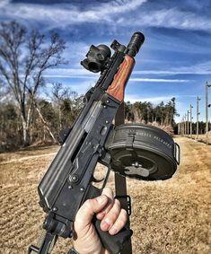 with drum mag Assault Weapon, Assault Rifle, Weapons Guns, Guns And Ammo, Submachine Gun, Military Guns, Cool Guns, Firearms, Shotguns