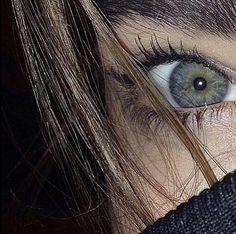 Pretty Eyes, Cool Eyes, Beautiful Eyes, Long Lashes, Eyelashes, Eye Facts, Photos Of Eyes, Aesthetic Eyes, Eye Photography