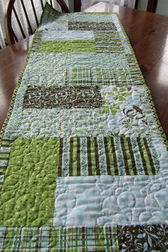 Razzle Dazzle - summer table runner  www.quiltpatterndesign.com and Craftsy