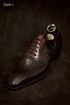 hormas y combinacion de colores en zapatos de caballero elaborados con piel exotica orignal
