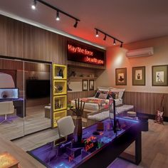 Game Room: A Complete List of 50 Photos to Get Inspired! Geek Home Decor, Nerd Decor, Geek Bedroom, Hypebeast Room, Hangout Room, Loft Studio, Man Cave Home Bar, Game Room Design, Gamer Room