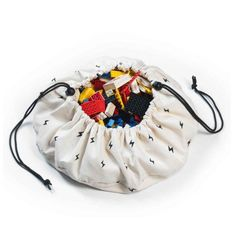 Play and Go MINI! De Play and Go opbergzak Mini Thunderbolt is de kleinere versie speelzak met stoere bliksem print. Deze mini opbergzak is multifunctioneel Toy Storage Bags, Kids Storage, Play N Go, Go Bags, Baby Furniture, Furniture Ideas, Cotton Bag, Playroom, Bucket Bag