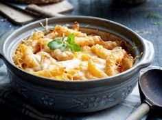Gegratineerde penne met kip These are the most popular chicken recipes – Libelle Lekker Oven Dishes, Pasta Dishes, Cooking For Dummies, Tapas, Risotto, Go For It, Everyday Food, Gnocchi, Italian Recipes