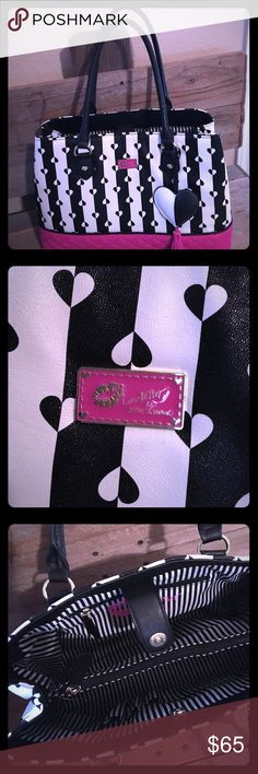 "Black/white Betsy Johnson purse This purse is so adorable & practical..NWOT..colors are black/white/hot pink..it has a middle zipper with spacious sides..length is 13"" & width is11"" Betsey Johnson Bags Shoulder Bags"