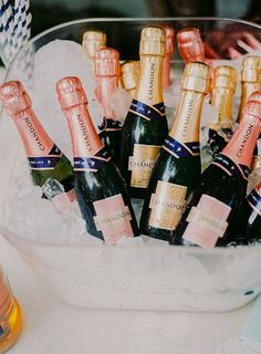 Mini Champagne Bottles, Champagne Bar, Vogue Wedding, Gatsby Wedding, Billie Holiday, Green Books, Here Comes The Bride, Crafts For Teens, Fun Projects