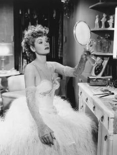 Ball Hairstyles, Retro Hairstyles, Lucy Dresses, Ball Dresses, I Love Lucy, Lucy Star, Lucille Ball Desi Arnaz, Gorgeous Redhead, Glamour