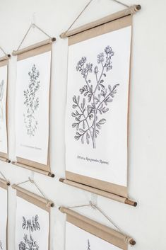 Simple DIY vintage poster scroll frames 2019 Make your own poster frame with this simple DIY vintage frame tutorial! A unique and pretty way to frame wall art. The post Simple DIY vintage poster scroll frames 2019 appeared first on Vintage ideas. Unique Wall Art, Diy Wall Art, Diy Wall Decor, Wall Decorations, Simple Wall Art, Diy Framed Art, Diy Vintage, Vintage Frames, Vintage Artwork