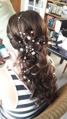 Romantic  bridal hair, long bridal hair Romantic Bridal Hair, Long Bridal Hair, Hair Styles, Beauty, Hair Plait Styles, Hair Makeup, Hairdos, Haircut Styles, Hair Cuts