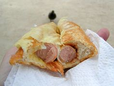 Paris: Double fromage hot dog