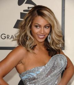 2011-Beyonce-Hairstyles, Beyonce Short Hairstyles, Beyonce Wavy hairstyles