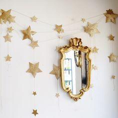 N74 Falling Star Garland   Gold