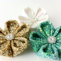 Glitter flower kanzashi hairclips by kittykanzashi on Etsy