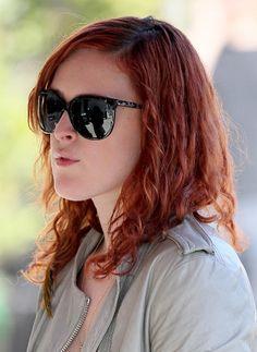 Rumer Willis red, wavy hairstyle